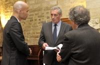 Le Maire de la Ville de Montpellier et Président de Montpellier Méditerranée Métropole Philippe Saurel, entouré de Michaël Iancu et Gilbert Dahan (CNRS-EPHE), octobre 2016