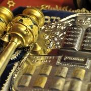 """Les """"habits"""" du Sefer Tora (Rouleaux de la Torah)"""