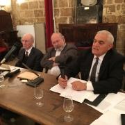 Le Dr Richard Prasquier, ancien président du CRIF et du Comité Français pour Yad Vashem, entouré des universitaires Thomas Gergely et Carol Iancu en 2015