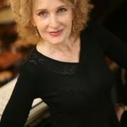 La chanteuse yiddish Talila en 2011 et 2018