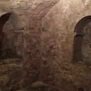 Niches murales du Bain rituel juif